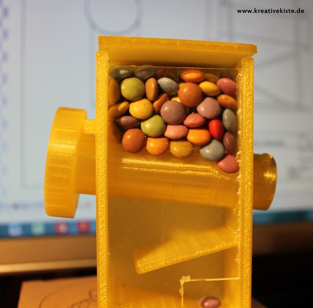 3D printing candy dispenser