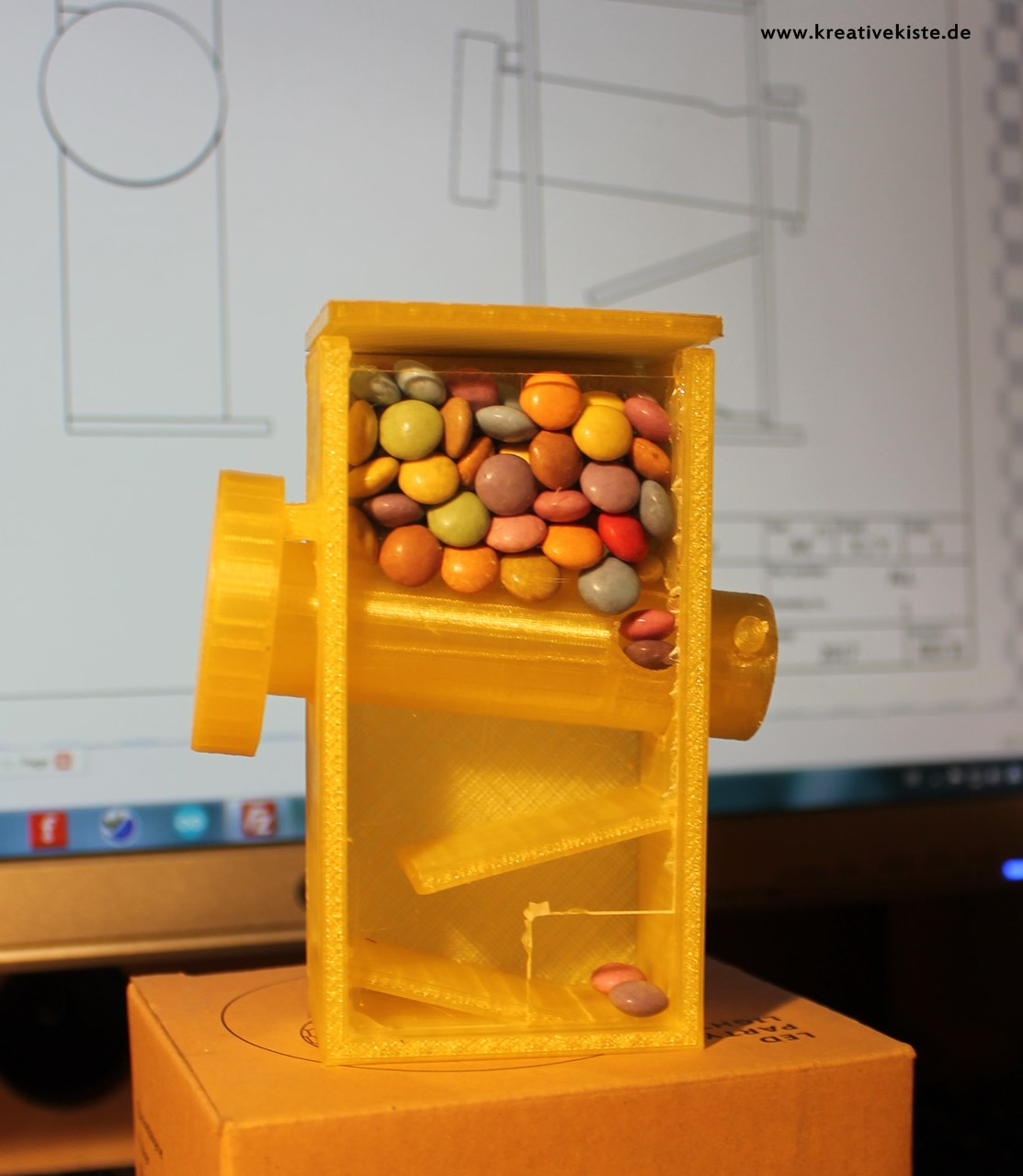 3D print candy dispenser 2.0